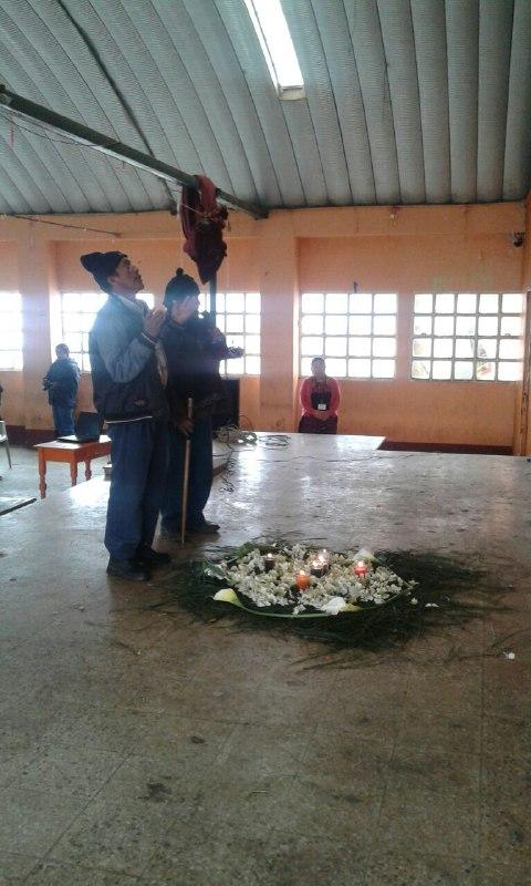 Apertura de la Asamblea con una ceremonia maya